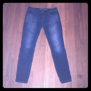 AE dark wash jeggings size 6
